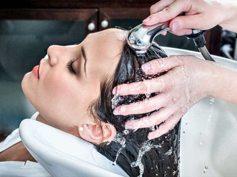 wash your hair with cold waters after dying